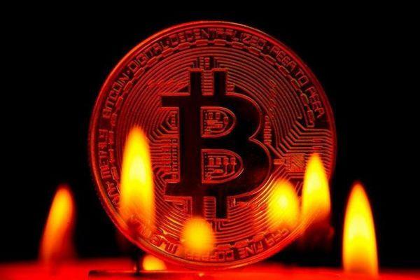 Giá Bitcoin hôm nay 13/8: Thị trường cháy đỏ, Bitcoin giảm sâu